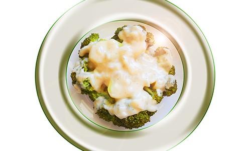 Brócoli con salsa bechamel.