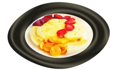 Uvilla y otras frutas en ensalada.