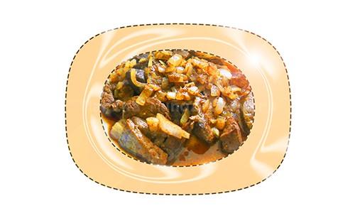 Hígado guisado con cebolla morada.