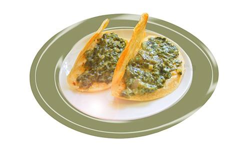 Tacos de espinacas con bechamel.