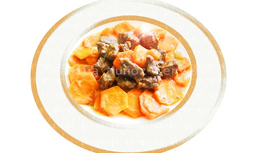 Carne guisada con zanahorias.