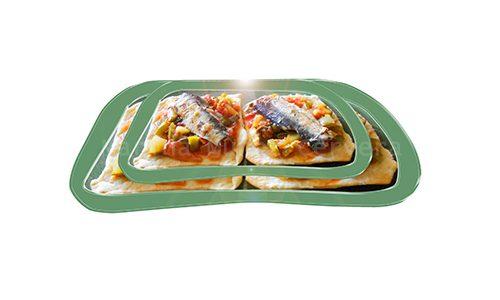 Tostadas caseras con pisto y sardinas.